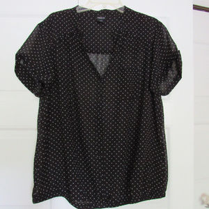 Tops - Torrid Woman Polka Dot Top size 2